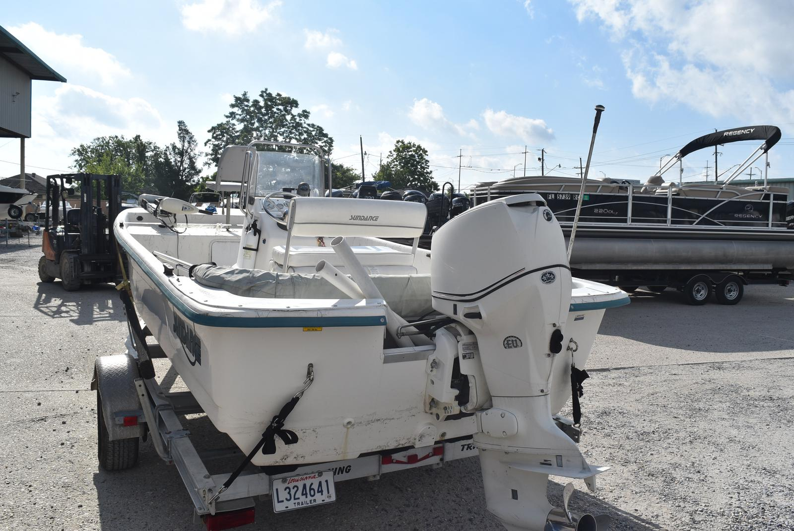 2009 Sundance boat for sale, model of the boat is 18 & Image # 3 of 6