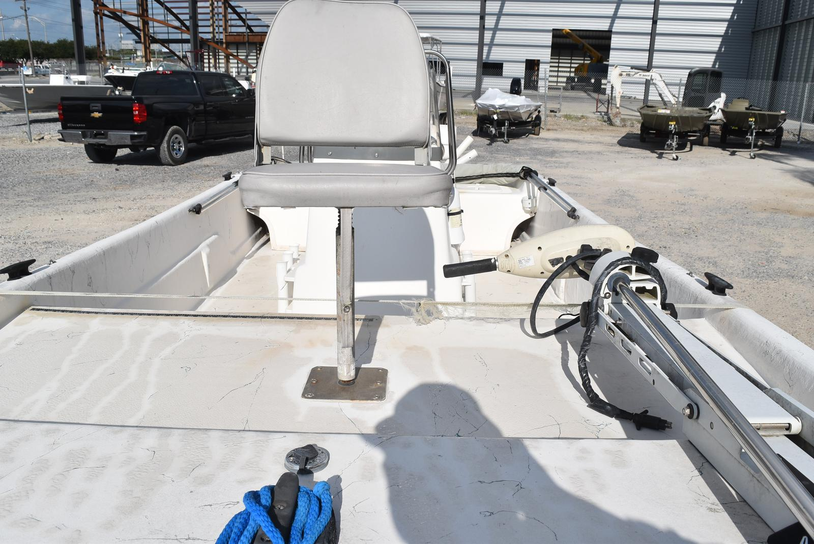 2009 Sundance boat for sale, model of the boat is 18 & Image # 4 of 6