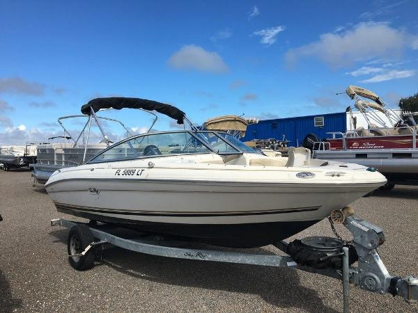 2001 Sea Ray boat for sale, model of the boat is SEARAY 185 & Image # 2 of 5