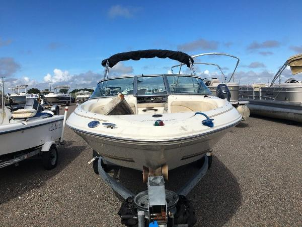 2001 Sea Ray boat for sale, model of the boat is SEARAY 185 & Image # 5 of 5