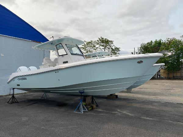 2019 Everglades 295CC thumbnail