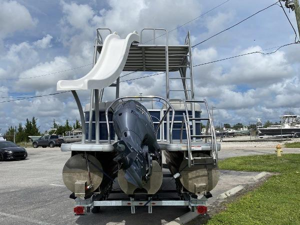 2019 Sweetwater boat for sale, model of the boat is 235 Slide Tritoon & Image # 6 of 14