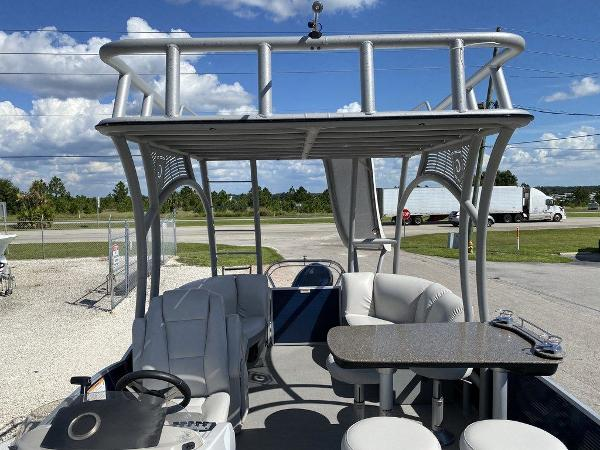 2019 Sweetwater boat for sale, model of the boat is 235 Slide Tritoon & Image # 7 of 14
