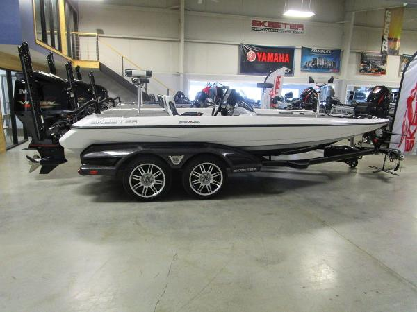 2021 Skeeter boat for sale, model of the boat is FXR20 Limited & Image # 1 of 67