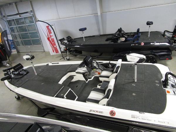 2021 Skeeter boat for sale, model of the boat is FXR20 Limited & Image # 3 of 67