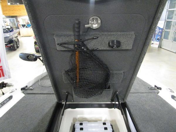 2021 Skeeter boat for sale, model of the boat is FXR20 Limited & Image # 37 of 67