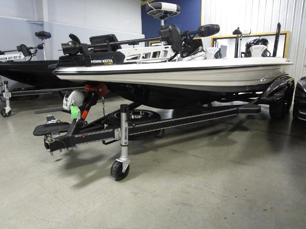 2021 Skeeter boat for sale, model of the boat is FXR20 Limited & Image # 48 of 67