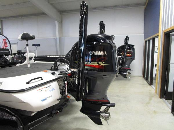 2021 Skeeter boat for sale, model of the boat is FXR20 Limited & Image # 49 of 67
