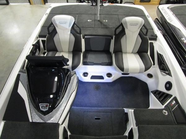 2021 Skeeter boat for sale, model of the boat is FXR20 Limited & Image # 61 of 67