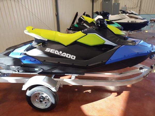 2021 Sea Doo PWC boat for sale, model of the boat is Spark® 3-up Rotax® 900 ACE™ & Image # 1 of 2