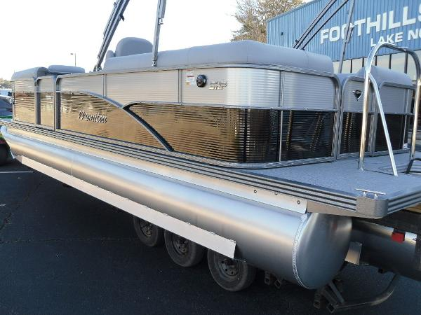 2021 Manitou boat for sale, model of the boat is RF 23 Oasis SHP 373 & Image # 7 of 44