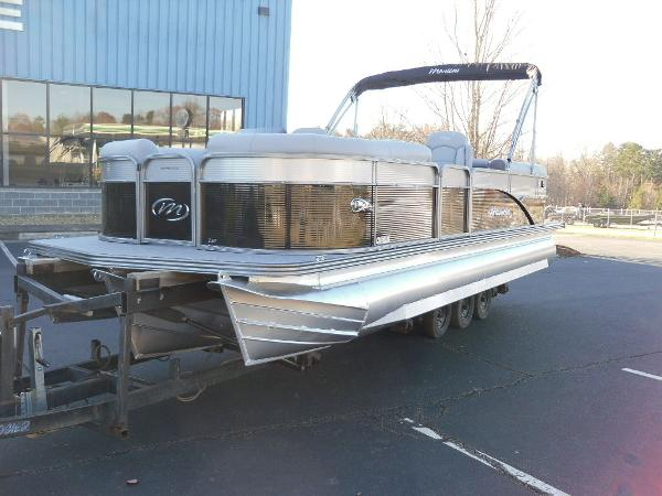 2021 Manitou boat for sale, model of the boat is RF 23 Oasis SHP 373 & Image # 9 of 44