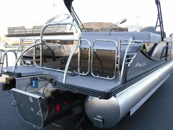 2021 Manitou boat for sale, model of the boat is Bench 23 SES SHP 575 & Image # 7 of 43