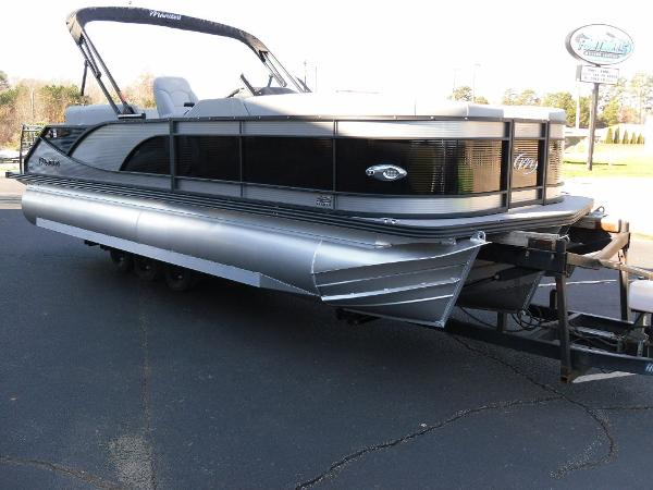 2021 Manitou boat for sale, model of the boat is Bench 23 SES SHP 575 & Image # 30 of 43