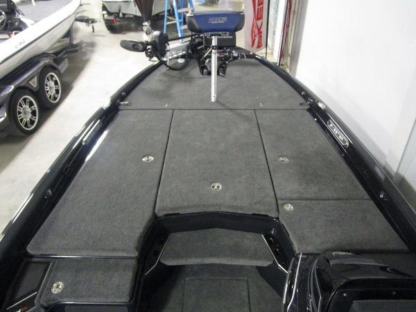 2021 Skeeter boat for sale, model of the boat is FXR21 Apex & Image # 12 of 64