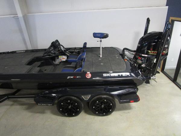 2021 Skeeter boat for sale, model of the boat is FXR21 Apex & Image # 18 of 64