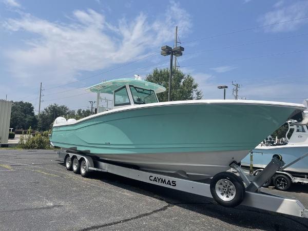 2022 Caymas 401 CC