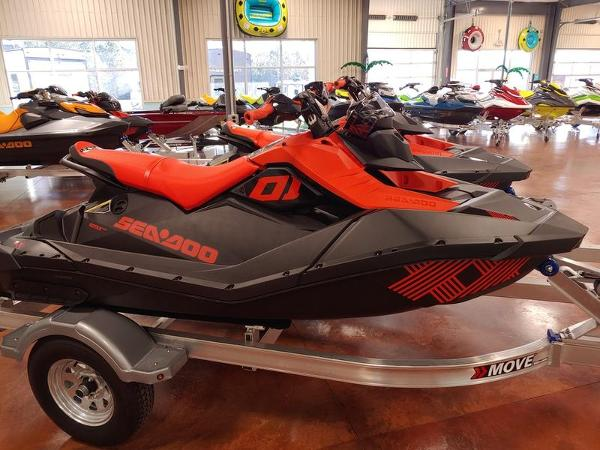 2021 Sea Doo PWC boat for sale, model of the boat is Spark® 3-up Rotax® 900 ACE™ IBR & Sound System & Image # 1 of 3