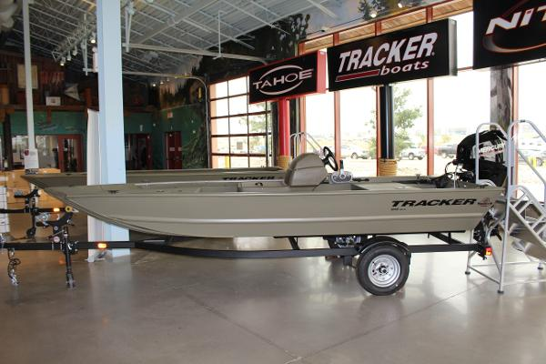 2022 Tracker Boats boat for sale, model of the boat is Grizzly 1648 SC & Image # 1 of 30