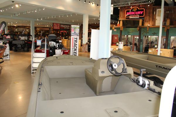 2022 Tracker Boats boat for sale, model of the boat is Grizzly 1648 SC & Image # 3 of 30