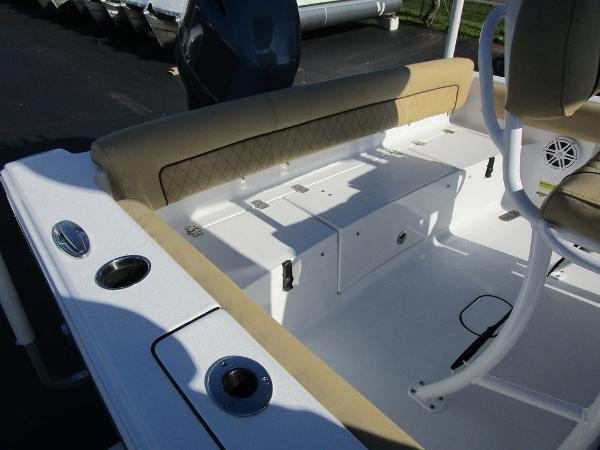 2021 Sportsman Boats boat for sale, model of the boat is Heritage 211 CC & Image # 9 of 26