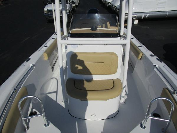 2021 Sportsman Boats boat for sale, model of the boat is Heritage 211 CC & Image # 15 of 26
