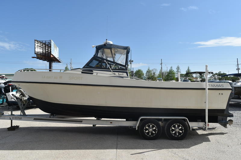 1984 Stamas boat for sale, model of the boat is 26 Cuddy Cabin & Image # 16 of 30
