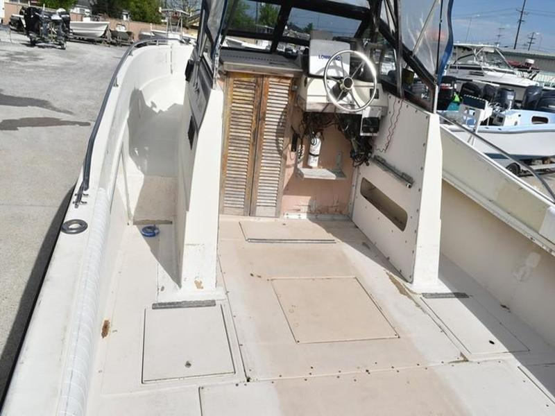 1984 Stamas boat for sale, model of the boat is 26 Cuddy Cabin & Image # 22 of 30