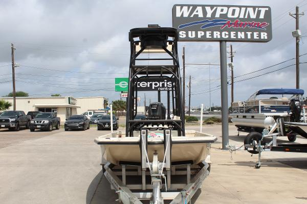 2019 Majek boat for sale, model of the boat is 22 ILLUSION & Image # 2 of 17