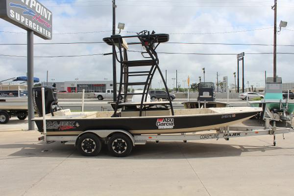2019 Majek boat for sale, model of the boat is 22 ILLUSION & Image # 4 of 17