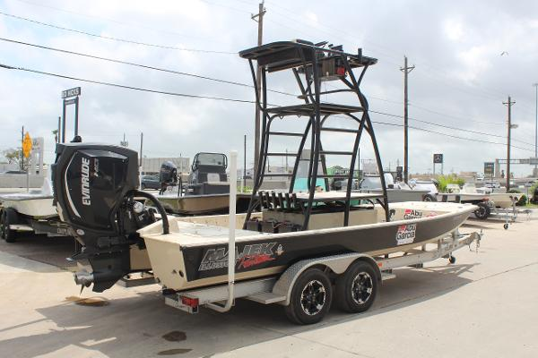 2019 Majek boat for sale, model of the boat is 22 ILLUSION & Image # 5 of 17