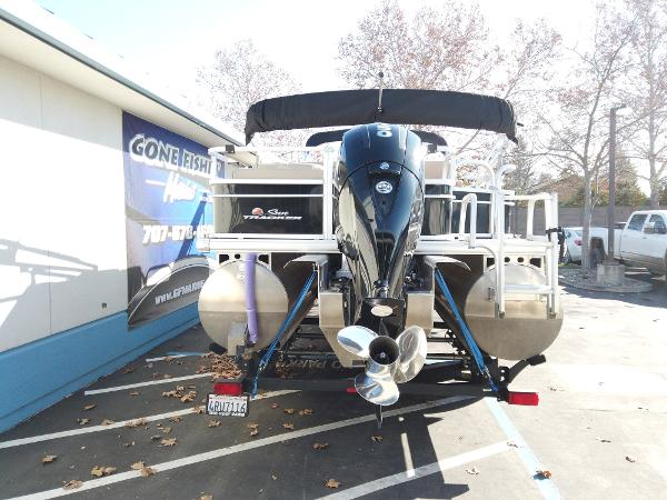 2018 Sun Tracker boat for sale, model of the boat is SportFish 22 XP3 & Image # 3 of 16