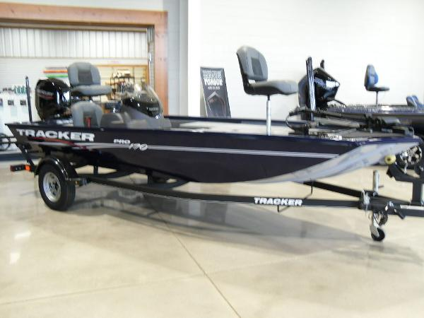 2021 Tracker Boats boat for sale, model of the boat is Pro 170 & Image # 2 of 30