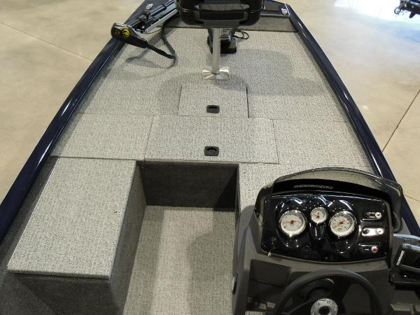 2021 Tracker Boats boat for sale, model of the boat is Pro 170 & Image # 25 of 30