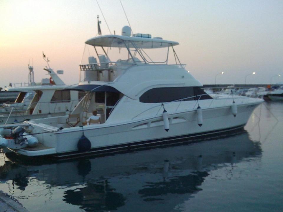 62' Riviera 2004