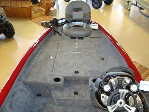 2021 Tracker Boats boat for sale, model of the boat is Pro Team 175 TXW® Tournament Ed. & Image # 4 of 15
