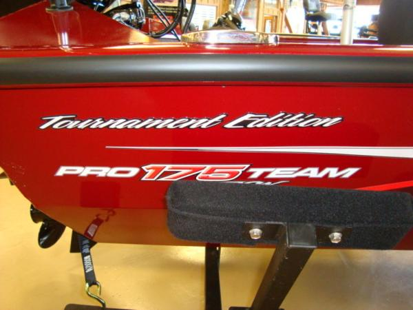 2021 Tracker Boats boat for sale, model of the boat is Pro Team 175 TXW® Tournament Ed. & Image # 7 of 15