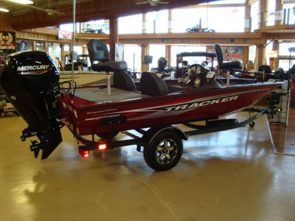 2021 Tracker Boats boat for sale, model of the boat is Pro Team 175 TXW® Tournament Ed. & Image # 1 of 15