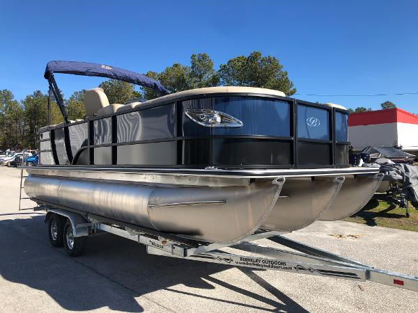 2021 Bentley boat for sale, model of the boat is Elite 223 Admiral & Image # 5 of 35