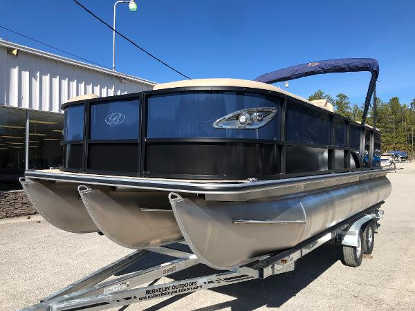 2021 Bentley boat for sale, model of the boat is Elite 223 Admiral & Image # 1 of 35