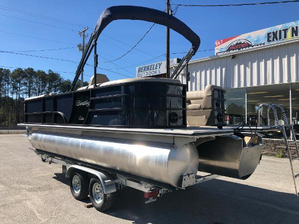 2021 Bentley boat for sale, model of the boat is Elite 223 Admiral & Image # 8 of 35