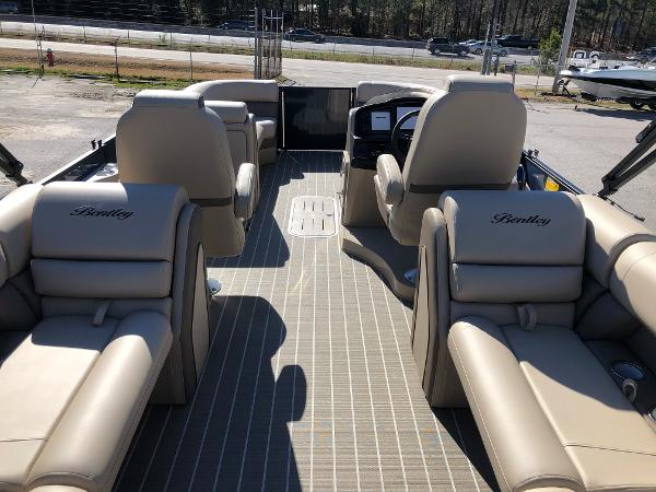 2021 Bentley boat for sale, model of the boat is Elite 223 Admiral & Image # 9 of 35