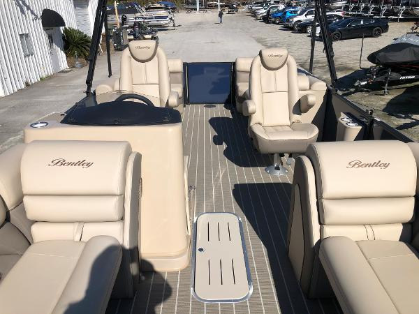 2021 Bentley boat for sale, model of the boat is Elite 223 Admiral & Image # 10 of 35