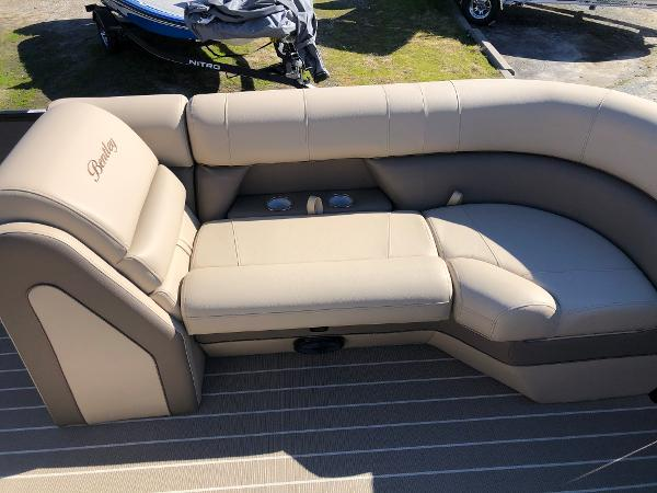 2021 Bentley boat for sale, model of the boat is Elite 223 Admiral & Image # 11 of 35