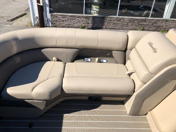 2021 Bentley boat for sale, model of the boat is Elite 223 Admiral & Image # 15 of 35
