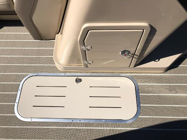 2021 Bentley boat for sale, model of the boat is Elite 223 Admiral & Image # 19 of 35