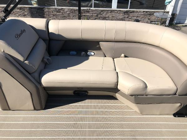 2021 Bentley boat for sale, model of the boat is Elite 223 Admiral & Image # 31 of 35