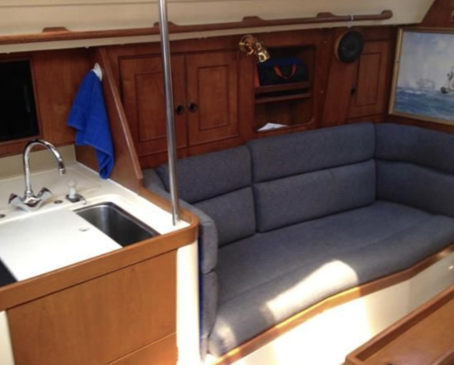 M 6247 SK Knot 10 Yacht Sales