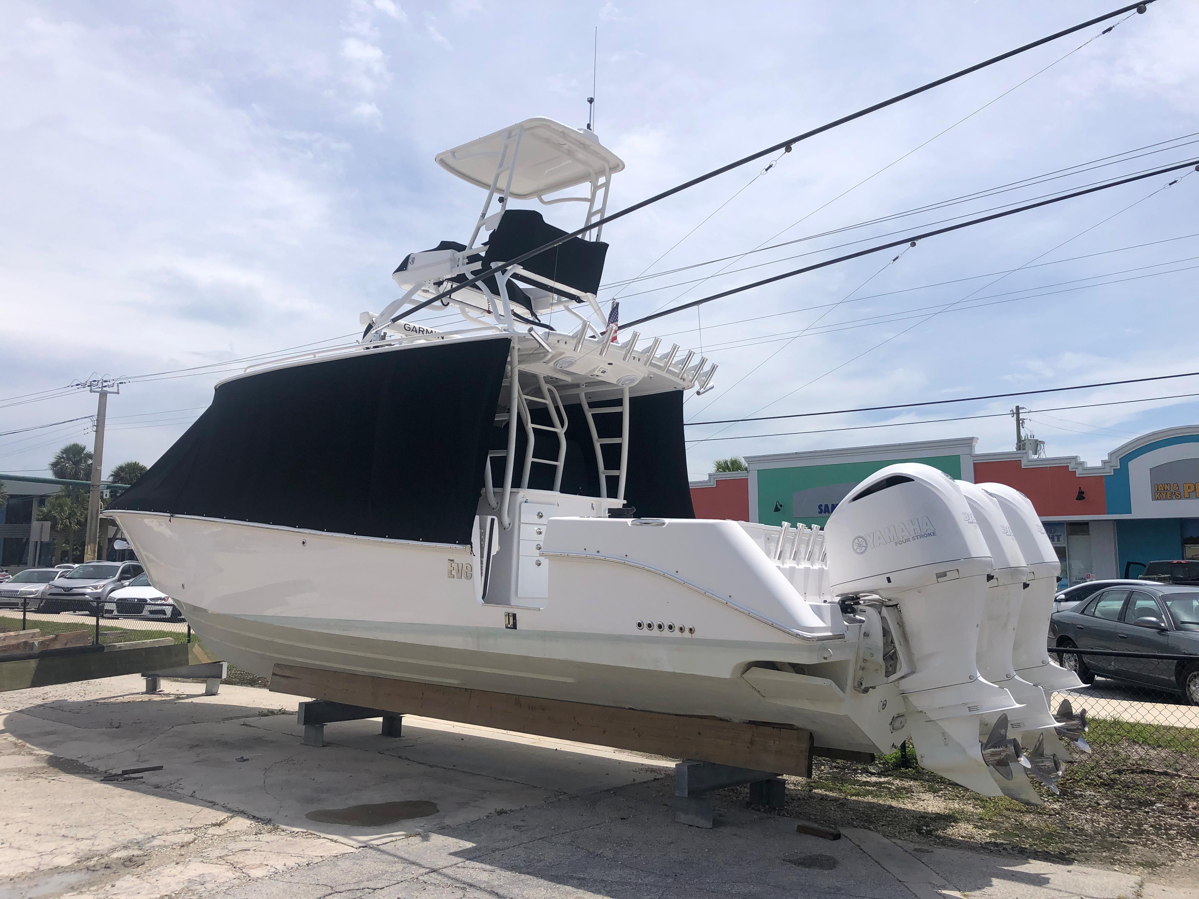 2019 Everglades 355 CC