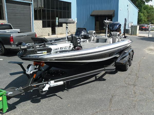 2021 Skeeter boat for sale, model of the boat is FXR20 Apex & Image # 2 of 33